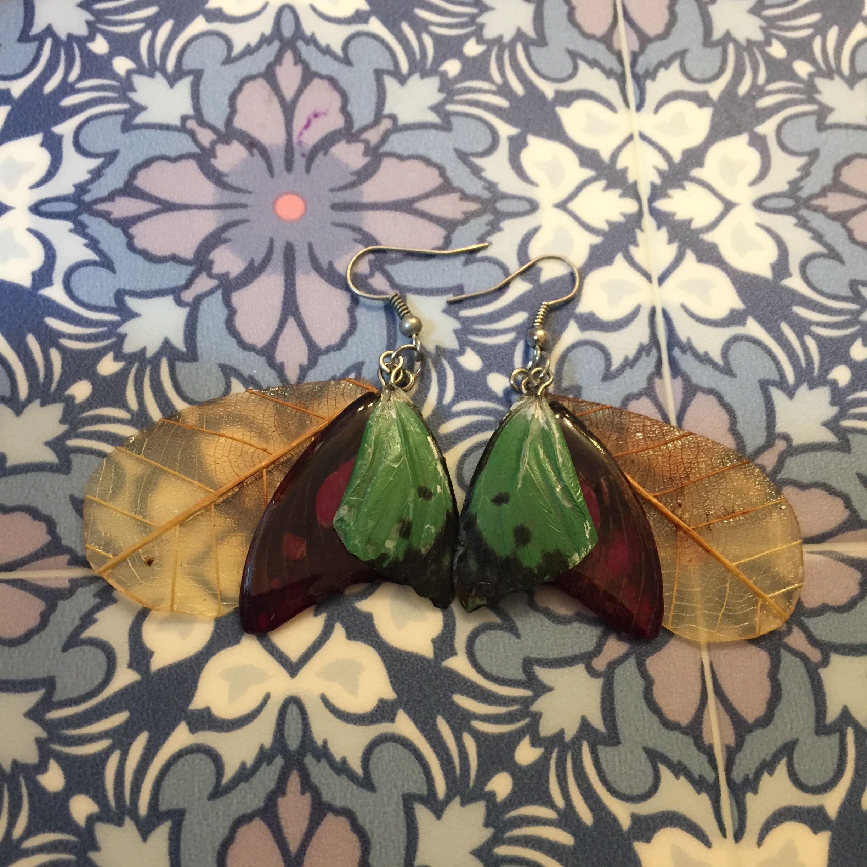 ⑧葉と蝶の標本ピアス(緑、赤紫、黄)