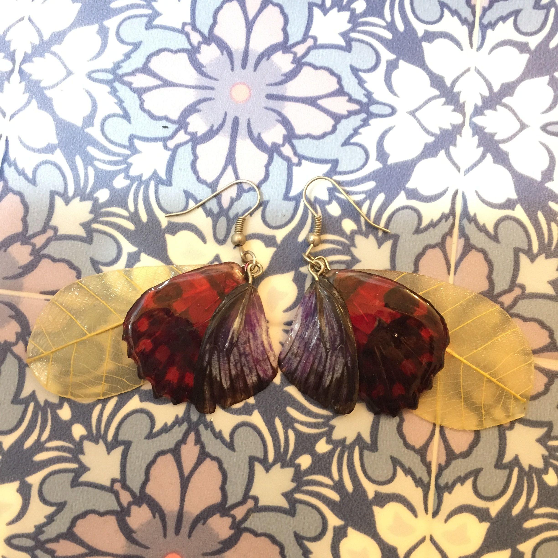 ⑩葉と蝶の標本ピアス(赤、紫、黄)