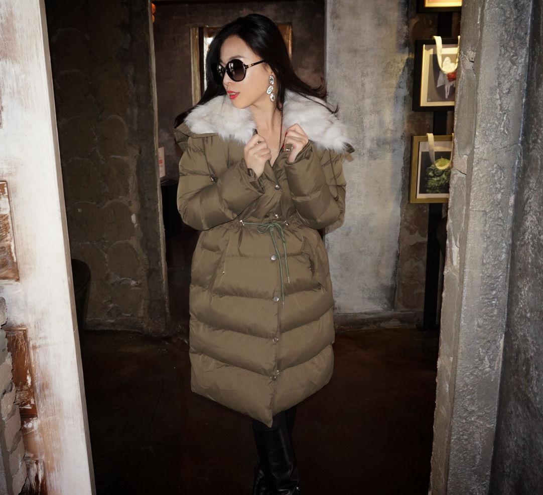 お顔映り華やかなREALフォックスファーフードコート【氷点下でも軽くて暖かい!】