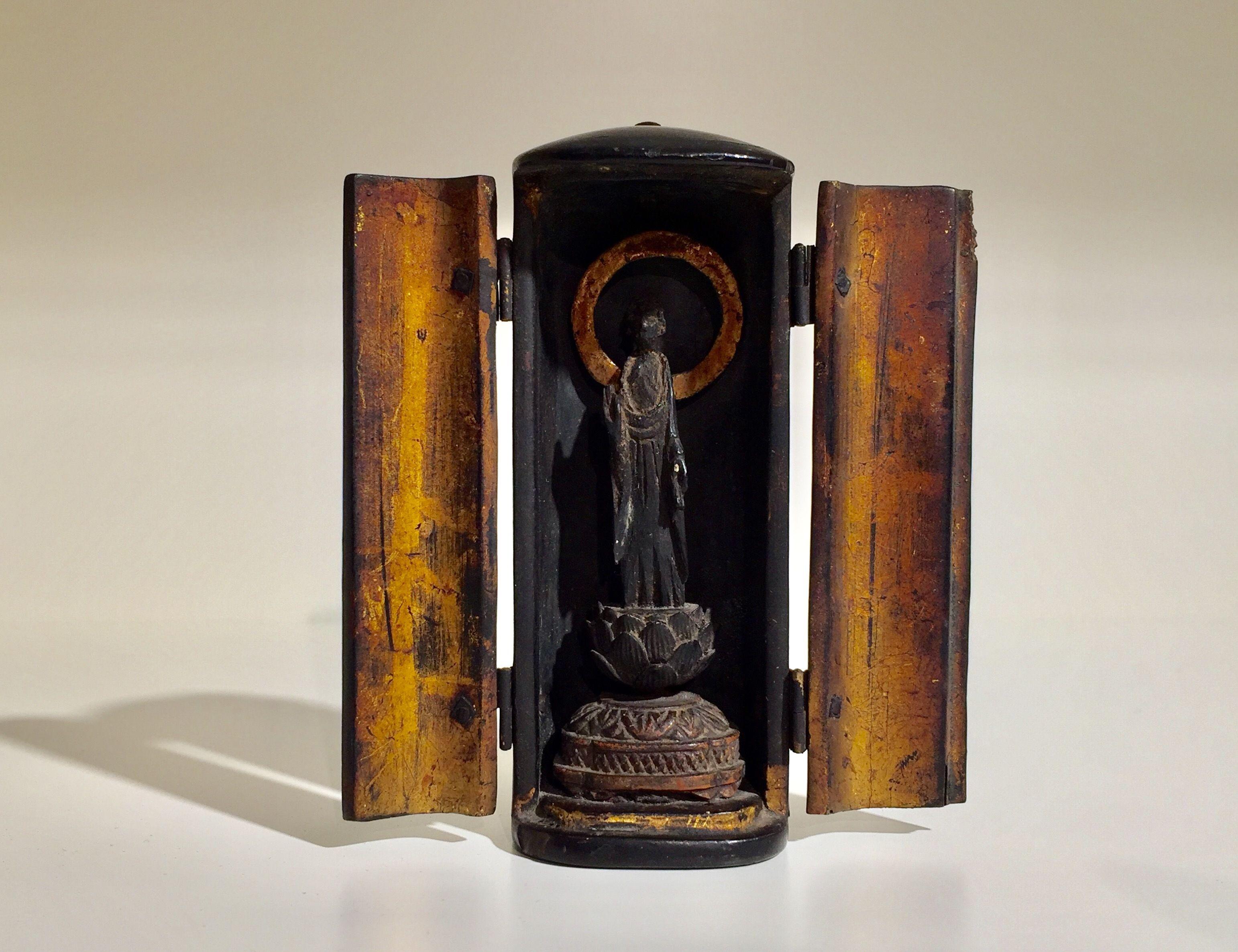 江戸時代 厨子入り木彫如来立像
