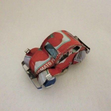 マグネット ミニカー ブリキ缶リメイク(マダガスカル)③【郵便お届け】