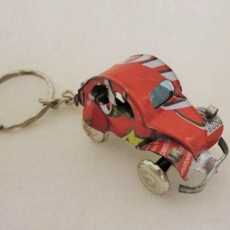 キーホルダー ミニカー(ブリキ缶リメイク)マダガスカル ⑤【郵便お届け】