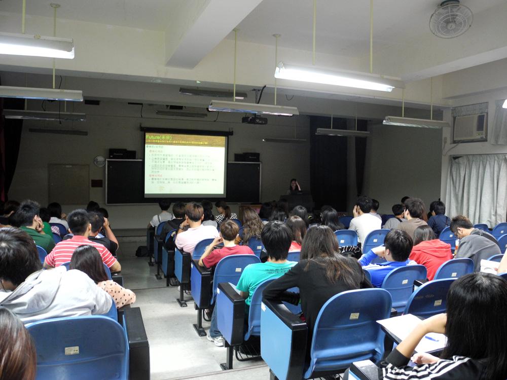 100(2)校園生活安全與綠色能源教育系列講座