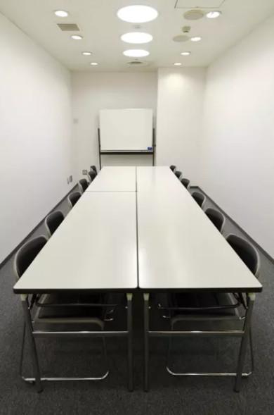 ホール8D/会議、研修会、荷物置き場などにご利用頂けます。