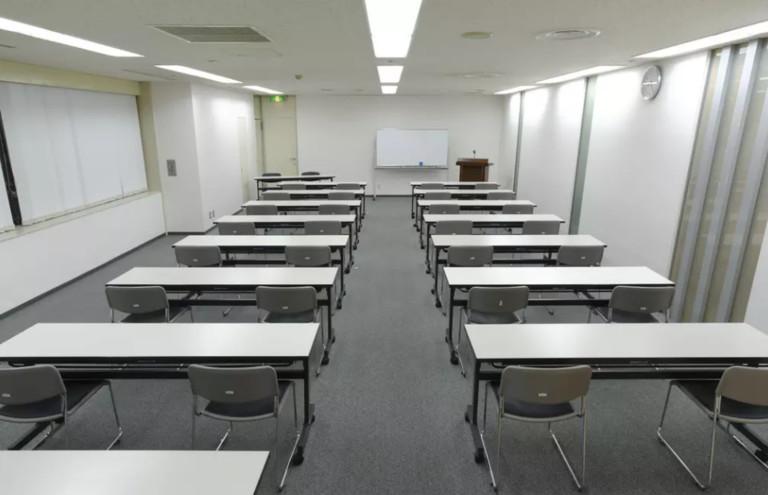 ホール8B/用途に応じた利用が可能な中会議室