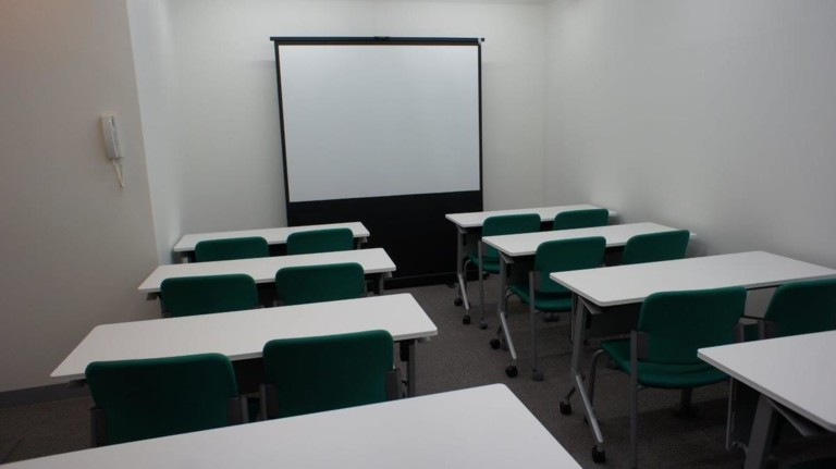 MYオフィス 新宿東口会議室107 新宿東口徒歩3分/無線LAN完備 コメダ珈琲店内