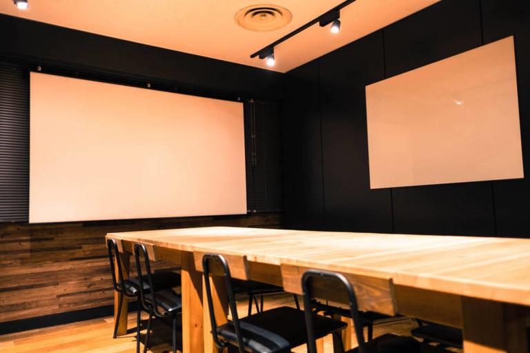 POINT EDGE ShibuyaBASE 会議室A