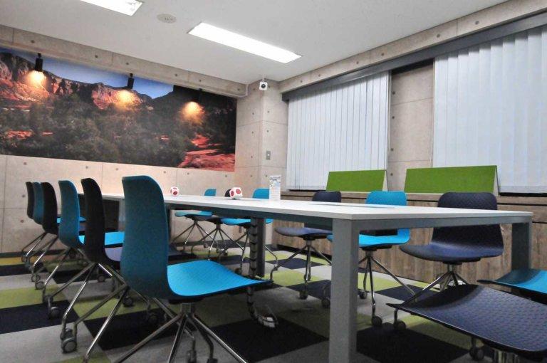 KIZASU.Officeミーティングルーム3F(~14名用)