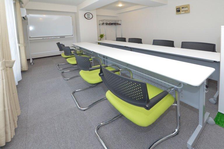 【10月NEWオープン】レビューキャンペーン特価実施中♪大きな窓で自然光たっぷりの明るい会議室
