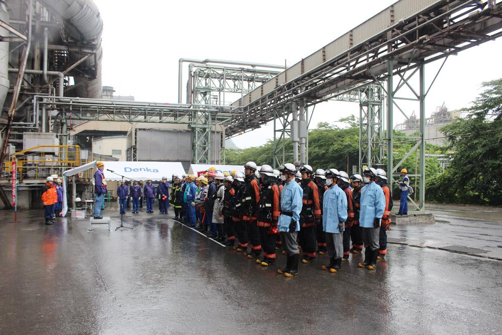 参加された従業員並び糸魚川市関係者一同