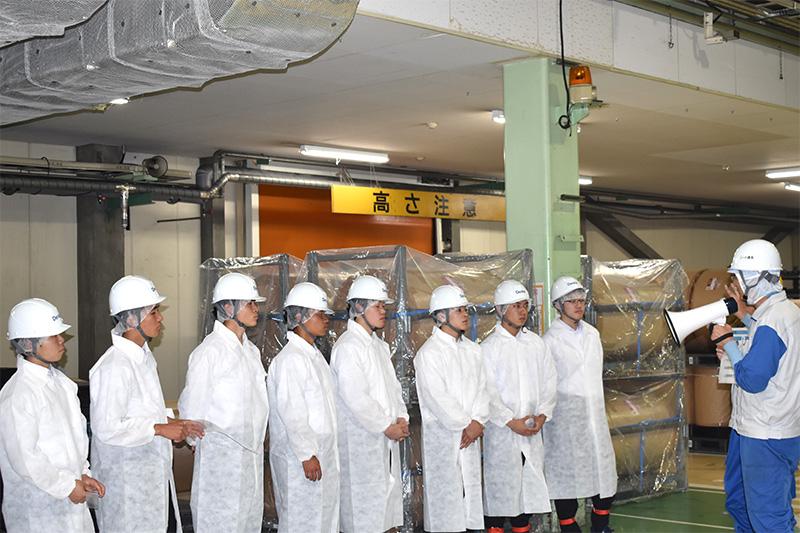 前橋商業高校生徒の工場見学