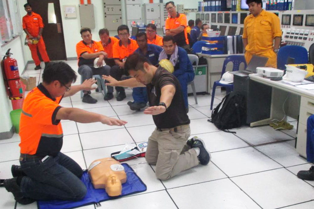 Emergency lifesaving training