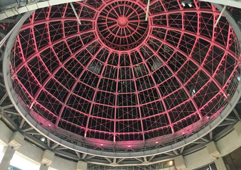 2019年に引き続き、2020年も高松三越と高松丸亀町一番街前三町ドームがピンクにライトアップされました。