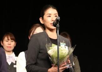 優勝した三越日本橋本店婦人営業部 石渡恵さん