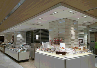 Confectionery Area, Isetan Shinjuku Main Store, the first basement at Main building. (Photograph has been taken after the construction.)