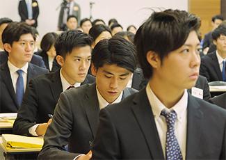 IMHによる新入社員研修(フレッシャーズスクール)の様子