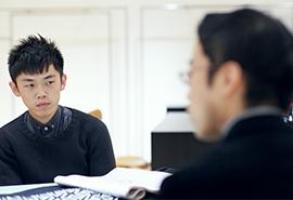 ファッションディレクター山口壮大さん(左)