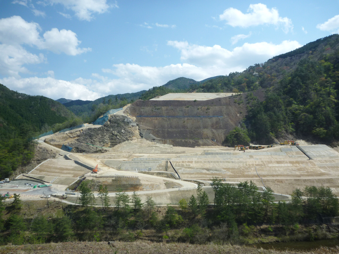 Reinforcement work by soil stabilization at the Ikuno Mine Tailings Dam