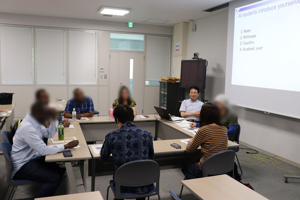 Endowed laboratory opened at Hokkaido University (a class being given at the laboratory)