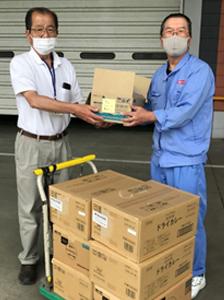 【写真】鹿島工場の食品寄贈