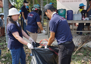 【Picture】Overseas Cleanup Activities Nissui(Thailand)Co., Ltd.