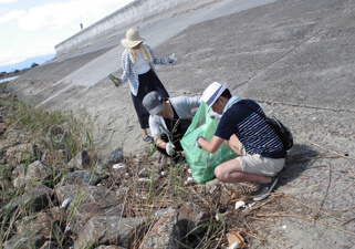 【Picture】Environmental Workshop at the Fujimae-Higata (Fujimae Tidal Flat)