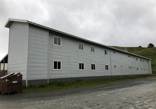Made UniSea's idle facility available as a place to stay free of charge for local residents awaiting PCR test results and fishery personnel who need to be isolated for a set period of time after their fishing vessels return to the port, etc.