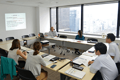 Anti-bribery and corruption training sessionfor employees involved in international business