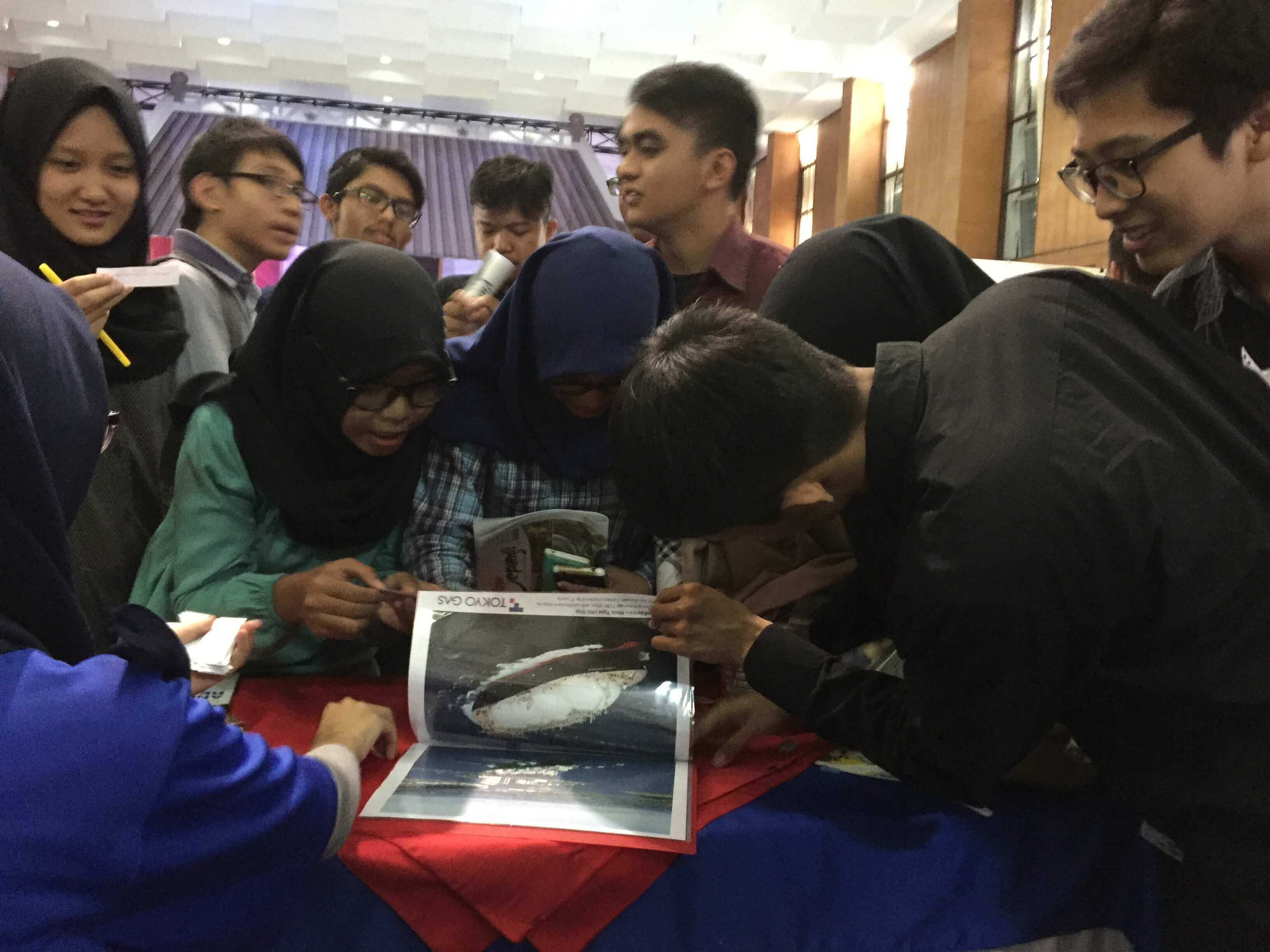 Students attracted to our booth