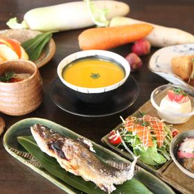 四季を彩る和洋折衷料理(イメージ)
