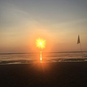 バリ島サヌールの朝日