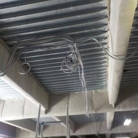▲天井内配線の様子
