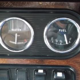 水温計、燃料計