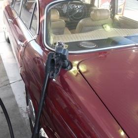 左タンク給油