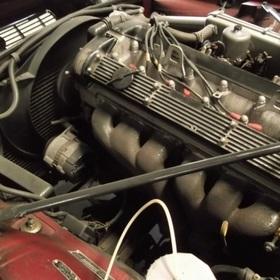 6気筒4200cc