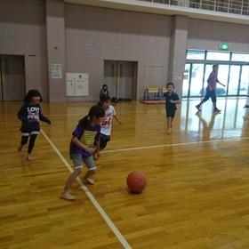 小学生サッカー遊び