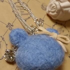 羊毛フェルト(ネックレス)
