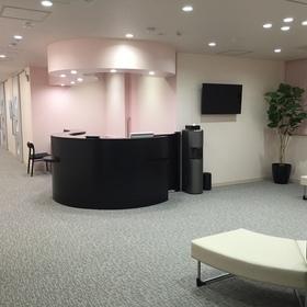 受付、診察室は一般外来とは別のフロアで行います。