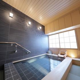 畳敷きの浴室