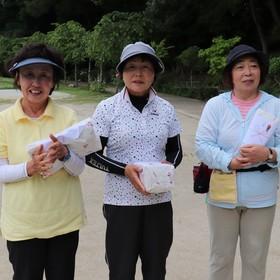 左から〈優勝〉高畑玲子さん〈2位〉成瀬志な子さん〈3位〉福士康子さん