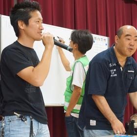 〔ビンゴゲーム進行〕子ども会会長/中川 祐 さん,自治区スポーツ部長/古市 哲也 さん