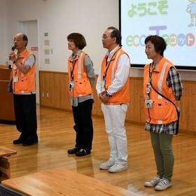 インタープレッターの本田昭二さん、澤田恵美子さん、伊東芳明さん、上林恭子さん