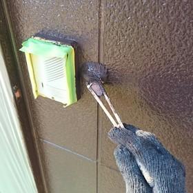 外壁上塗(刷毛)作業