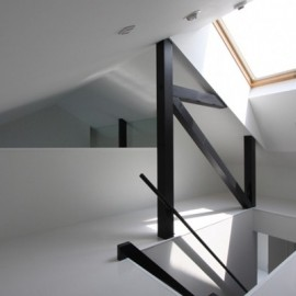 屋根裏部屋の画像2