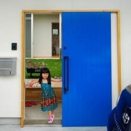 玄関ドアの画像1