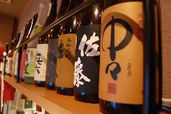 多数の焼酎と日本酒