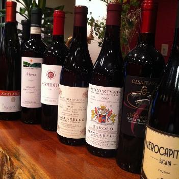 ワインは週替わりで100種~