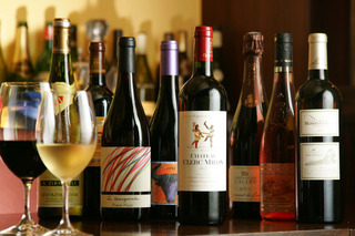 様々なワインを学べる環境があります。