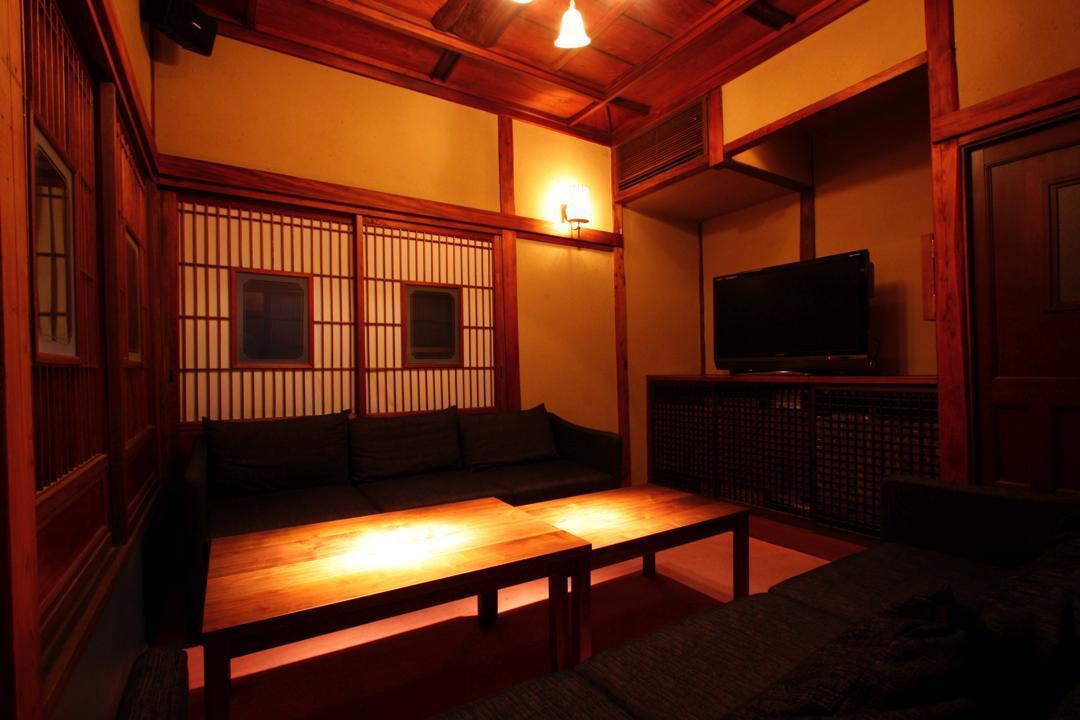 2階の6人個室