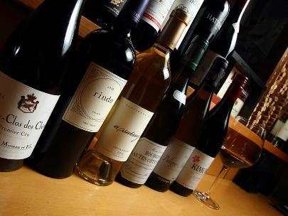 ワインは100種はストックしています